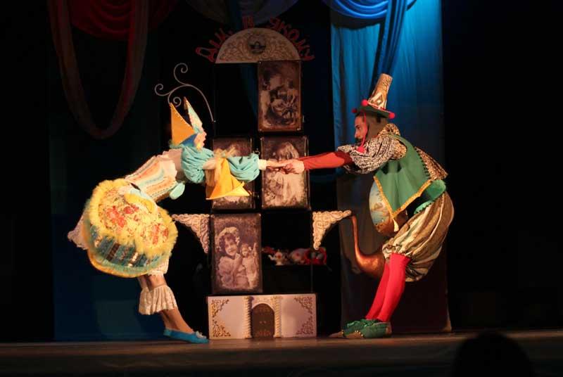 """""""Тайна кукольного дома"""" – праздничная история, из пространства которой юные зрители не хотели уходить, когда сказка кончилась."""