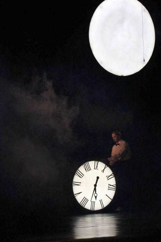 37-IMG_5108_часы-и-луна